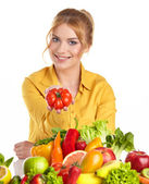 Young woman and groceries — Stockfoto