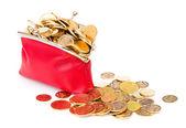 Bolso rojo lleno de monedas de oro sobre un blanco — Foto de Stock
