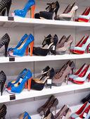 Bakgrund med skor — Stockfoto