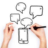 Ruka kreslí telefon a zprávy na bílém pozadí — Stock fotografie