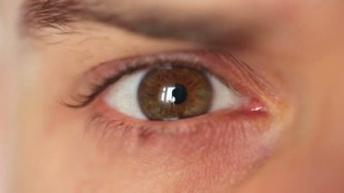 Male eye closeup — Stock video