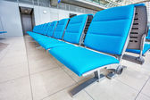 Seats at the airport in waiting lounge — Stockfoto