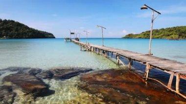 Pier in the sea — Stock Video