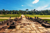 Road from ancient buddhist khmer temple in Angkor Wat complex — Stock Photo