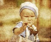 Ritratto di un ragazzo felice in stile retrò — Foto Stock