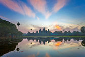 Sunrise at angkor wat temple, cambodia — Stock Photo