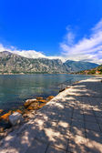Seafront with sea and mountain — Foto Stock