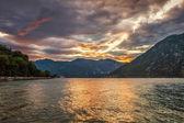 暗い海の夕日 — ストック写真