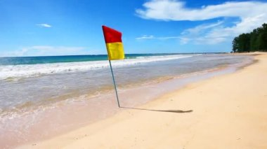 Safety Flag on a Beach — Vídeo de stock