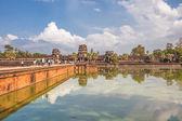 храма ангкор-ват в теплом свете заката — Стоковое фото