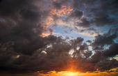 Beautiful sunset sky — Stock Photo