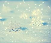νιφάδες χιονιού στο χιόνι — Φωτογραφία Αρχείου