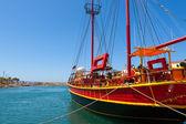 Barco à vela. sissi, creta, grécia — Fotografia Stock