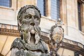 Sheldonian Statues. Oxford, England — Stock Photo