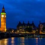 Big ben por la noche. Londres, Inglaterra — Foto de Stock   #38702783