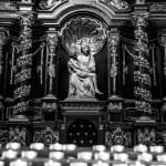 Détails intérieurs d'église catholique — Photo #45708489