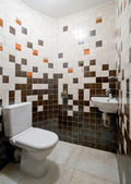 Gestaltung von einem einfachen wc-raum — Stockfoto