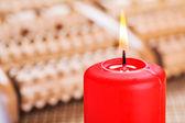 červený hořící svíčka — Stock fotografie