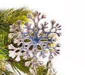Neujahrskarte mit wunderschönen schneeflocke — Stockfoto