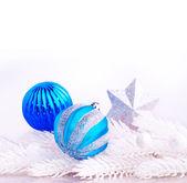 蓝色和银色的圣诞节装饰 — 图库照片