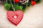 Ručně vyráběné srdce pro vánoční výzdobu — Stock fotografie