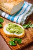 Pesto toast — Stock Photo