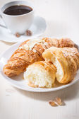 Fresh baked croissants — Stockfoto