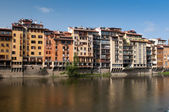 Bank of river Arno in Florence, — Stock Photo