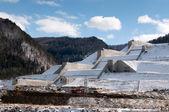 Coastal spillway of Sayano-Shushenskaya hydroelectric power station — Stock Photo