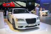 CHRYSLER C300 SRT8 — Stockfoto