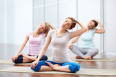 Group yoga sessions — Stock Photo