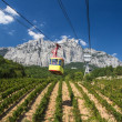 Ropeway in Yalta leading to the Ai-Petri mountain — Stock Photo
