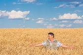 Feliz sorrindo caucasiano velho fazendeiro — Fotografia Stock