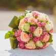 Beautiful bouquet of wedding flowers — Stock Photo #43744649