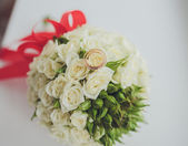 Beautiful bouquet of wedding flowers — Стоковое фото