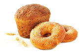 Whole grain bread and bagels — Stock Photo