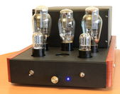 Vacuum tube amplifier on 300B triodes — Stock fotografie