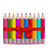 Set colorful pencils decorated by bow on white background — Vector de stock