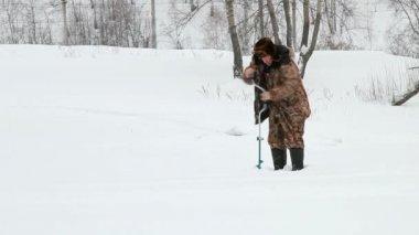 On winter fishing — Stock Video