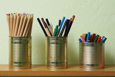 Upcycling, Writing Accessories in Tin Can — Stock Photo