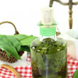 Wild garlic tincture — Stock Photo