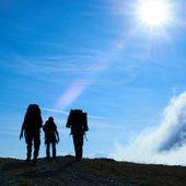 Silhouette of hiking friends — Stock Photo