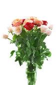 Ramo de rosas rojas y blancas hermosas — Foto de Stock