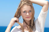 Pretty blond girl outdoors — Stock Photo
