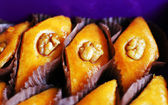 Eastern sweets: baklava with the nuts, closeup of eastern sweet — Stock Photo