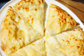 Closeup of megruli or megrelian khachapuri - famous dish of georgian cuisine — Stock Photo