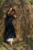 Mujer en un campo — Foto de Stock