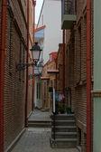 Widok z wąskimi uliczkami starej tbilisi — Zdjęcie stockowe