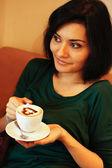 Kadın ve kahve — Stok fotoğraf