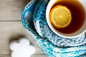 Cup of hot tea in the cold time — Stock Photo